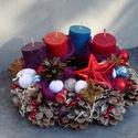 Adventi,karácsonyi koszorú,asztaldísz, Dekoráció, Otthon, lakberendezés, Ajtódísz, kopogtató, Virágkötés, Mindenmás, Színes,trendi,természetes alapon karácsonyi,adventi díszt készítettem. méret 23cm  -, Meska