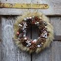 Angyalok szárnyán-téli,adventi ,karácsonyi szőrmés,púderes ajtódísz,koszorú,kopogtató, Dekoráció, Otthon, lakberendezés, Dísz, Ajtódísz, kopogtató, Virágkötés, szőrmés,púderes,termés koszorú angyalkával EGYEDI méret 30cm, Meska