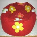 Piros színű virágos babzsák fotel, Bútor, Otthon, lakberendezés, Szék, fotel, Babzsák, Patchwork, foltvarrás, Varrás, Eladó a képen látható egyedi tervezésű piros színű, virágos babzsák fotel. Mérete: 90x100x35 Dupla ..., Meska