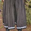 tényleg bő bőgatya, csikós nadrág :) fehér színű népviselet
