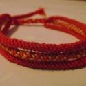 Piros-sárga csomózott karkötő, Ékszer, óra, Karkötő, Piros és sárga színű, csomózott hármas karkötő. A karkötő hossza: 27 cm (megkötőkkel  eg..., Meska