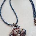 """""""Kék-fehér rombusz""""  raku kerámia nyaklánc, Ékszer, Medál, Nyaklánc, Ez a nyaklánc egy különleges kerámiakészítési technikával készült, melynek raku a neve.   A nyaklánc..., Meska"""