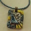 """""""sárga-kék négyszög""""  raku kerámia nyaklánc, Ékszer, Medál, Nyaklánc, Ez a nyaklánc egy különleges kerámiakészítési technikával készült, melynek raku a neve.   A nyaklánc..., Meska"""