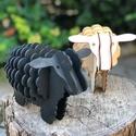 Fa bárányok, fekete és natúr színben, Dekoráció, Képzőművészet, Szobor, Fa, Famegmunkálás, Festett tárgyak, Kézzel vágott, minden felületén kézzel csiszolt fa bárányok. Párban kerülnek értékesítésre. Mérete ..., Meska
