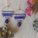 Kék karika fülbevaló, Ékszer, Fülbevaló, Kék karika fülbevaló gyöngyökkel és dróttal készült, kb. 6,5 cm hosszú  , Meska