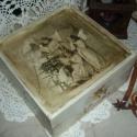 Egy régi karácsony- Vintage  doboz, Otthon, lakberendezés, Karácsonyi, adventi apróságok, Tárolóeszköz, Doboz, Egy régi karácsonyt idéz ez a dobozom. Békességet hozó angyalkák.  Oldalait kézi festéssel,..., Meska