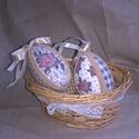 Vintage rózsás tojások 2 db-os csomag- dekoráció, barkadísz, húsvéti asztalidísz, Dekoráció, Mindenmás, Gobelin, Ünnepi dekoráció, Patchwork, foltvarrás,   Ezeket a Vintage hangulatú tojásokat patchwork technikával készítettem. Hasonló stílusú nyuszikat..., Meska