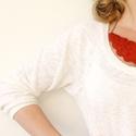 Piros kender nyaklánc, Ékszer, óra, Nyaklánc, Medál, Piros színű kenderből készítettem a medált, antik bronz kiegészítőkkel... Méret:17cm Más ..., Meska