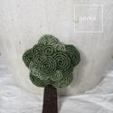 Fa bross (kicsi), Ékszer, Bross, kitűző, Varrás, Zöldre festett kenderből készült a bross. Méret: 5cm, Meska