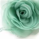 Tengerzöld rózsa, Ékszer, Ruha, divat, cipő, Bross, kitűző, Hajbavaló, Egészen visszafogott, hűvös zöld árnyalatú ez a rózsa. A tengert idézi.   Az egyenként formázott kla..., Meska
