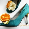 Napszínű bokréta- esküvői  / menyasszonyi / báli  cipőklipsz, Dekoráció, Esküvő, Cipő, cipőklipsz, Ha véletlenül pont Neked sem Manolo Blahnik a cipőd, azért egyet se búsulj. :)) Ezzel a cipőklipssze..., Meska