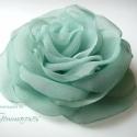 Vízzöld rózsa , Ruha, divat, cipő, Ékszer, Hajbavaló, Bross, kitűző, Vízzöld textilből varrtam ezt a rózsát. Kissé átmenetes a színe! Minden szirmát magam alakítottam, h..., Meska