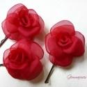 Mini rózsa-szett - piros, Esküvő, Aprócska rózsákat varrtam hullámcsatra, ami visszafogott eleganciát kölcsönözhet menyecskének, koszo..., Meska
