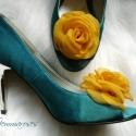 Napsárga cipőklipsz, Dekoráció, Esküvő, Cipő, cipőklipsz, Napsárga cipőklipsz.  Ennek a klasszikus rózsának az átmérője kb. 6 cm.    Nagyon fontos, hogy  való..., Meska