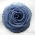 Acél rózsa - rendelhető, Acélkék szirmok alkotják ezt a klasszikus rózs...