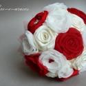 Piros textilcsokor, Esküvő, Esküvői csokor, Rendhagyó menyasszonyi csokor kézzel készült virágokkal, brossokkal, csipkével.   Postázásra kész!  ..., Meska