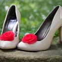 Flamenco cipőklipsz, Esküvő, Cipő, cipőklipsz, Varrás, Ékszerkészítés, Vörös rózsa cipőklipsz- megrendelhető  Ennek a klasszikus rózsának az átmérője kb. 7 cm.    Nagyon ..., Meska