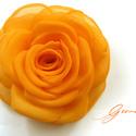 Napsárga rózsa - kitűző/hajcsat, Ennek a klasszikus formájú textil rózsának min...