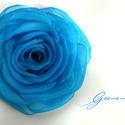 Nefelejcs rózsa , Nefelejcs színű (türkizes)szirmok alkotják ezt...