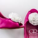 Fodros cipőklipsz, Esküvő, Cipő, cipőklipsz, Ekrü cipőklipsz - azonnal elvihető. Egyedi darab.    Nagyon fontos, hogy  valódi cipőklipsszel rögzí..., Meska