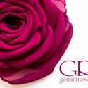 Magenta rózsa - kitűző/hajcsat, Ennek a klasszikus textilrózsának minden egyes s...