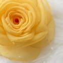 Napsárga rózsa - kitűző/hajcsat, Ékszer, óra, Bross, kitűző, Varrás, Ennek a sárga, klasszikus textilrózsának minden egyes szirmát magam alakítottam, varrtam.  (Az utol..., Meska