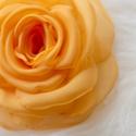 Sötét sárga rózsa - kitűző/hajcsat, Ékszer, óra, Bross, kitűző, Varrás, Ennek a sárga, klasszikus textilrózsának minden egyes szirmát magam alakítottam, varrtam.  (Az utol..., Meska
