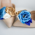 Arany és kék bokréta- esküvői  / menyasszonyi / báli  cipőklipsz, Dekoráció, Esküvő, Cipő, cipőklipsz, KÉk és arany színű egyedi tervezésű cipőklipsz - postázásra kész.    Ajánlom menyasszonyok, koszorús..., Meska
