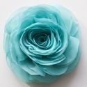Türkiz stilizált rózsa , Ékszer, Esküvő, Bross, kitűző, Varrás, Türkiz szirmok alkotják ezt a klasszikus rózsát. Minden szirmát magam alakítottam, hogy a lehető le..., Meska