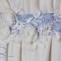 Csipke-öv virágokkal, Ruha, divat, cipő, Esküvő, Öv, A gyöngy, csipke és kézzel készített ekrü virágok alkotják ezt a dekorövet. Kérheted egyedi színű al..., Meska