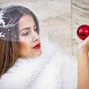 Mini fátyol csipkével, Esküvő, Hajdísz, ruhadísz, Kiváló minőségű, leheletfinom tüllből és csipkéből, gyöngyből  készült  fátyol, melyet két oldalt eg..., Meska