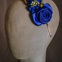 Virágos hajpánt 1., Dekoráció, Esküvő, Hajdísz, ruhadísz,  Kék virágos hajpánt fém alappal.  Egyedi darab.  Postázásra kész., Meska