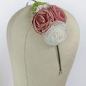 Virágos hajpánt 5., Dekoráció, Esküvő, Hajdísz, ruhadísz,  Rózsaszín virágos hajpánt fém alappal.  Egyedi darab.  Postázásra kész., Meska