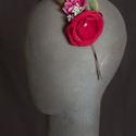 Virágos hajpánt 6., Dekoráció, Esküvő, Hajdísz, ruhadísz,  Pink és málna színű virágos hajpánt fém alappal.  Egyedi darab.  Postázásra kész., Meska