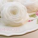 Fehér  rózsa - kitűző/hajcsat, Esküvő, Ruha, divat, cipő, Hajbavaló, Hajcsat, Ennek a klasszikus formájú textil rózsának minden egyes szirmát magam alakítottam, varrtam. (Ekrü vá..., Meska