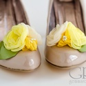 Sárga bokréta cipőklipsz, Dekoráció, Esküvő, Cipő, cipőklipsz, Cipőklipsz megrendelésre  Tökéletes választás partira, buliba, fotózáshoz, vagy épp esküvői rendezvé..., Meska