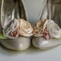 Rózsaszín és barack bokréta cipőklipsz, Dekoráció, Esküvő, Cipő, cipőklipsz, Cipőklipsz megrendelésre  Tökéletes választás partira, buliba, fotózáshoz, vagy épp esküvői rendezvé..., Meska