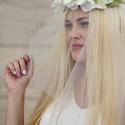 Liliom virágkoszorú menyasszonyoknak - menyasszonyi virágkoszorú - menyasszonyi koszorú, Esküvő, Hajdísz, ruhadísz, Menyasszonyi virágkoszorú liliomokból.   A fehér selyemvirágok hátul szalaggal megköthető alapon van..., Meska
