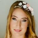 Gyöngyös és virágos  fejdísz - rózsaszín, Menyasszonyoknak ajánlom ezt a gyöngyös fejdís...