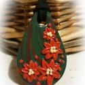 Mikulásvirág - medál, piros, Ékszer, óra, Medál, Zöld- piros alapra piros virágokat formáztam, saját ötlet alapján, kizárólag kézzel készü..., Meska