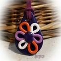 Viola - medál, lila- narancs, Ékszer, Medál, Sötétlila alapra színes szirmú virágot formáztam, saját ötlet alapján, kizárólag kézzel készült egye..., Meska
