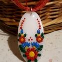Menyecske- medál, virágos, Ékszer, Medál, Fehér alapra színes, magyaros jellegű virágos motívumot formáztam, saját ötlet alapján, kizárólag ké..., Meska