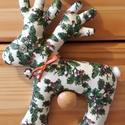 Karácsonyi rénszarvas zöld mintás, Dekoráció, Ünnepi dekoráció, Karácsonyi, adventi apróságok, Karácsonyi dekoráció, Karácsonyi pamutvászonból varrt rénszarvas dekoráció, saját sablon alapján.Flízzel tömött..., Meska