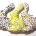 Nyuszik, szürke- barna- zöld, Dekoráció, Húsvéti díszek, 3 db pamutvászon nyuszi várja gazdáját. Különböző színben készültek, vidám, tavaszias hangulatot hoz..., Meska