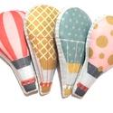 Színes hőlégballonok 4 db- os csomag, Baba-mama-gyerek, Dekoráció, Gyerekszoba, Mobildísz, függődísz, Mintás filcből varrt hőlégballonok, háta világoskék alapon fehér pöttyös, flízzel tömött. Kérésednek..., Meska