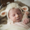 Nemez bárány szett fotózáshoz, Baba-mama-gyerek, Dekoráció, Képzőművészet, Vegyes technika, Nemezelő tűvel készült termék, újszülött babák fotózásához. A szett sapkát és nemez fi..., Meska
