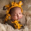 Nemez zsiráf szett fotózáshoz, Baba-mama-gyerek, Dekoráció, Képzőművészet, Vegyes technika, Nemezelő tűvel készült termék, újszülött babák fotózásához. A szett sapkát és nemez fi..., Meska