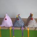 Vidám pipik, Dekoráció, Ünnepi dekoráció, Húsvéti apróságok, Varrás,  Vidám pipik különböző színekben,Három darabot raktam egy csomagba.Pipikék 9 cm-re nőttek. , Meska