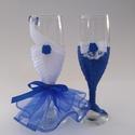 Kék, rózsás pohár pár, Esküvő, Ruha, divat, cipő, Nászajándék, Esküvői ruha,   Pezsgős pohár, esküvőre, házassági évfordulóra, eljegyzésre.  Selyemszalaggal, csipkével, organzáv..., Meska