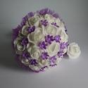 Menyasszonyi csokor, lila álom, Esküvő, Esküvői csokor, Fehér habrózsákból kötöttem csokrot, lila apró virágokkal és fehér gyöngyökkel díszítettem.Csokortar..., Meska